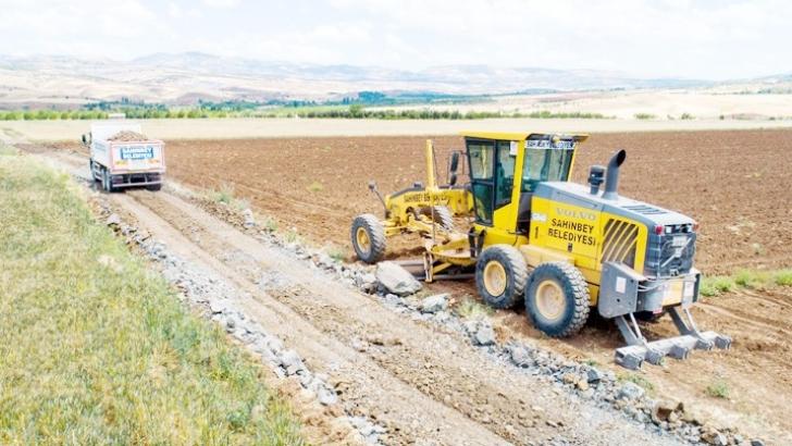 Şahinbey Belediyesi köy yollarını açıyor