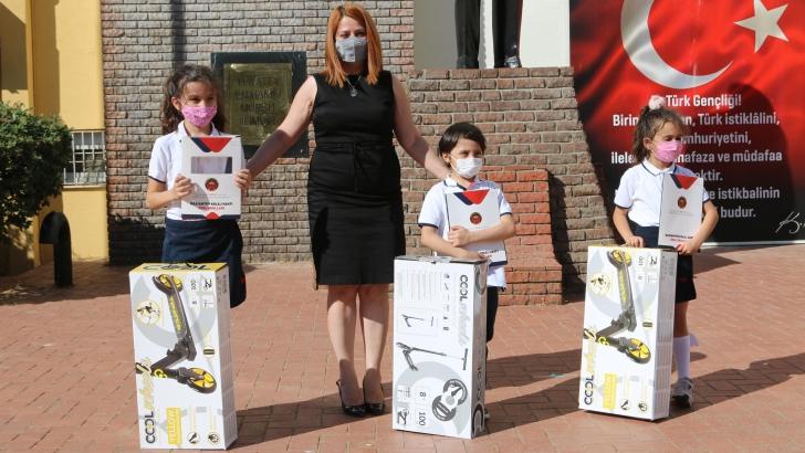 GKV Özel İlkokulu'nda başarılar ödüllendirildi