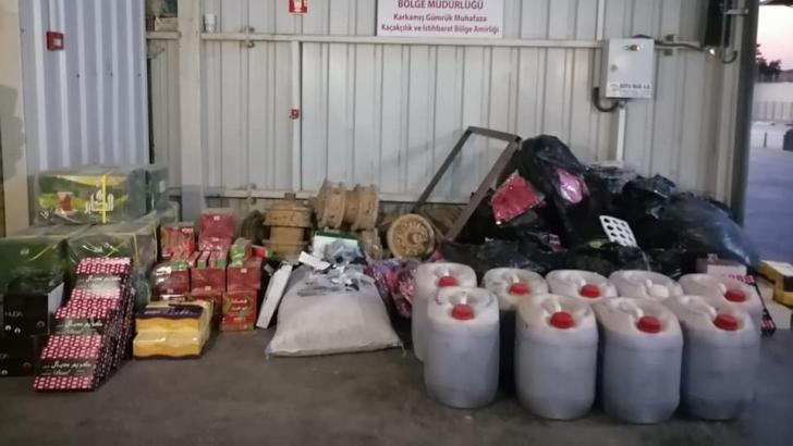 Tırda yüklü miktarda kaçak malzeme yakalandı