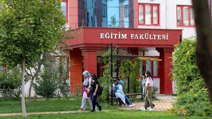 GAÜN Eğitim Fakültesi'ndeki tüm bölümlere EPDAD akreditesi
